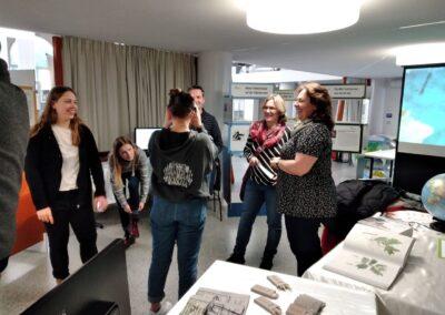 Besucher in der Humboldt Ausstellung